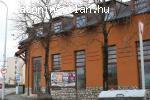 Üzlet és családi ház Tapolán