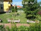 Keszthelyen a Balatontól 200 m-re 5 szobás családi ház