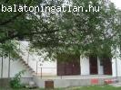Eladó üdülõház  Vonyarcvashegyen közel a Balatonhoz