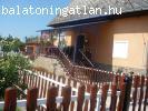Bp. közeli családi ház